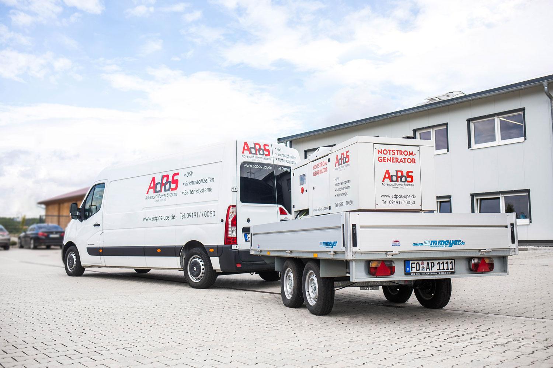 AdPoS Firmenwagen mit Fracht