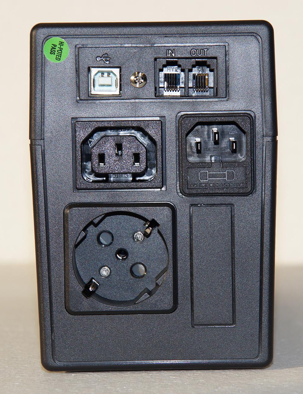 Steckplätze für USV Micro-850-Pro_RS